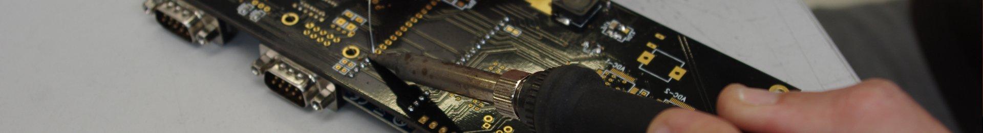 montaggio-elettronico-saldatura